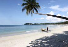 Pantai lagoi pulau bintan