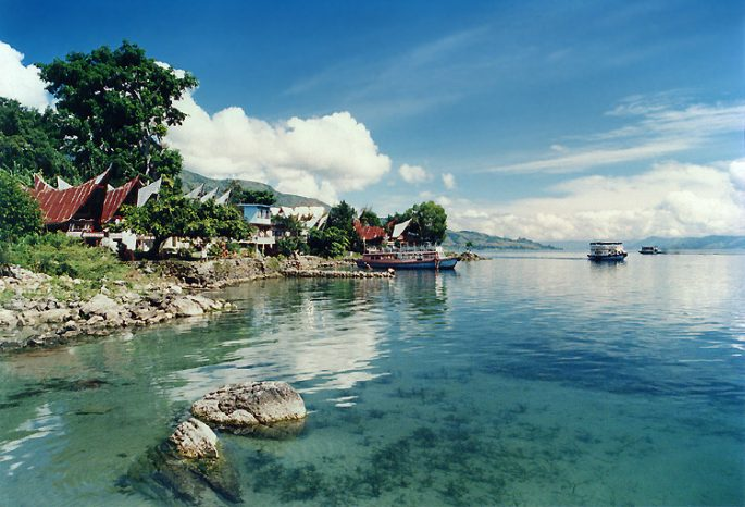 pulau samosir ,tempat wisata danau toba