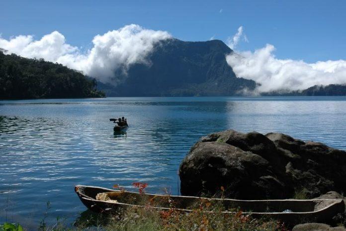 Danau Gunung Tujuh Indah 696x464 - DESTINASI WISATA DI JAMBI YANG MENGESANKAN