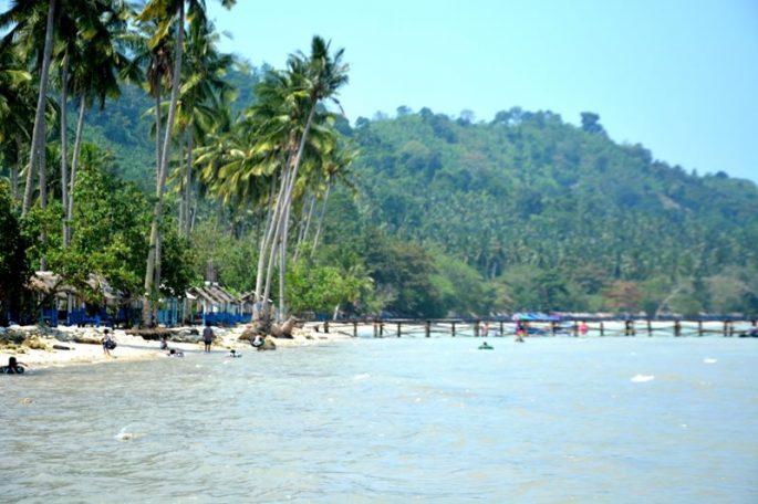 pantai-klara-kelapa-rapat