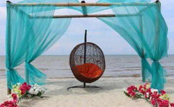 Pantai Romantis (romance bay)