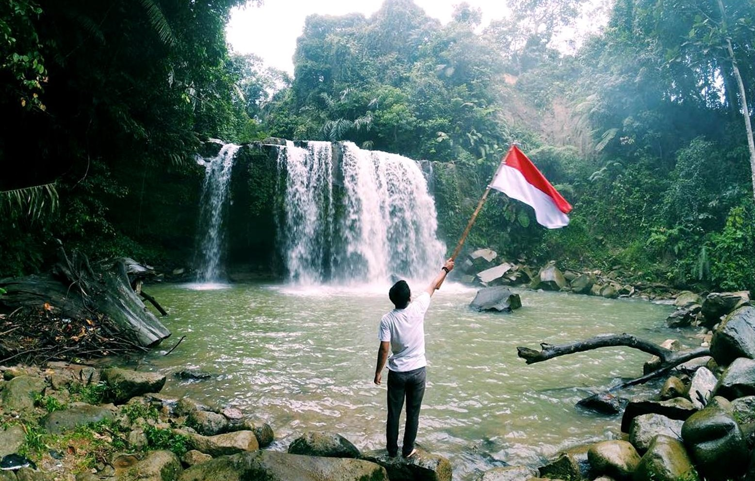 air terjun simanik manik