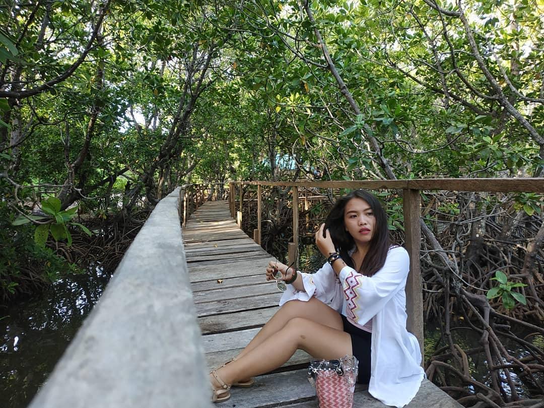 Hutan Mangrove Lirang
