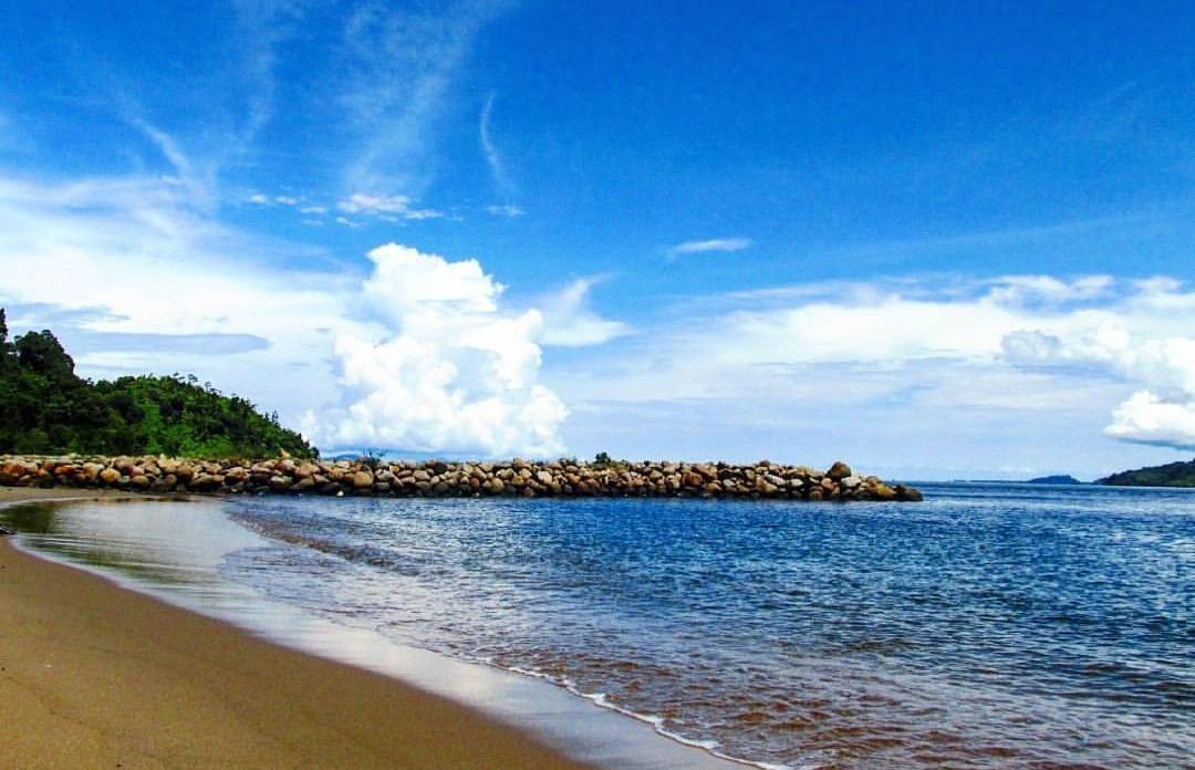 pantai indah kalangan pantai di sibolga